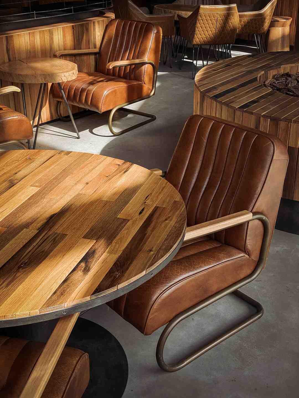 Comment vieillir les meubles en bois