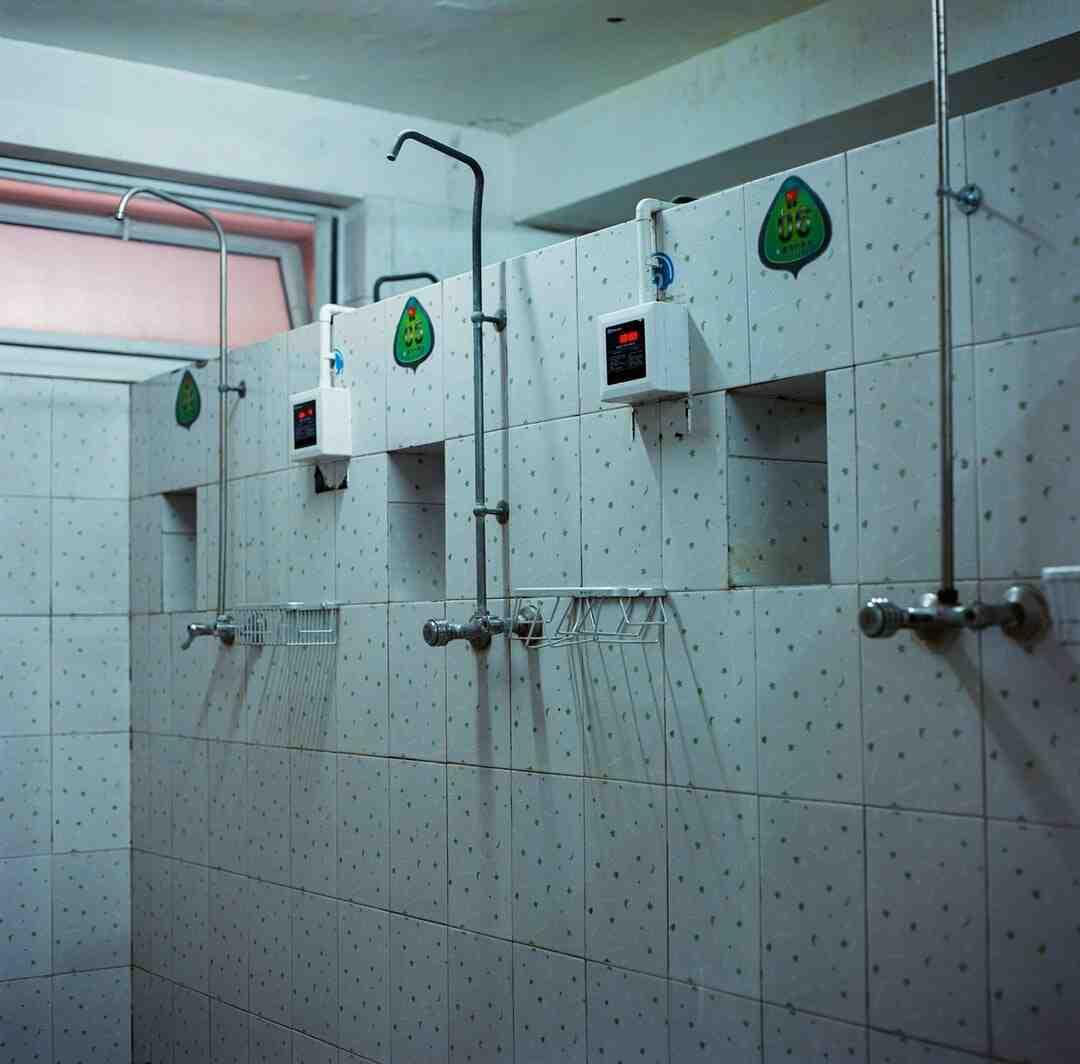 Comment installer plomberie pour toilette