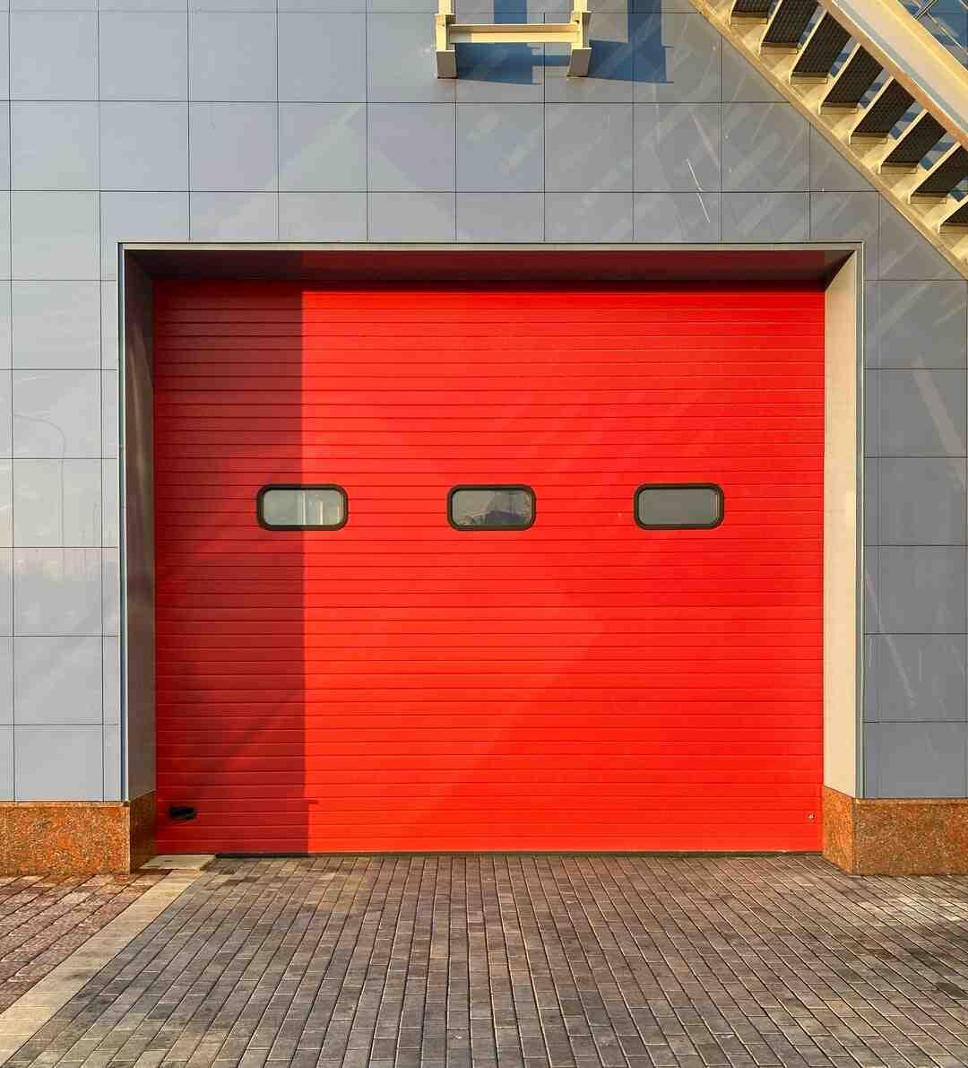 Comment isoler une porte de l'intérieur ?